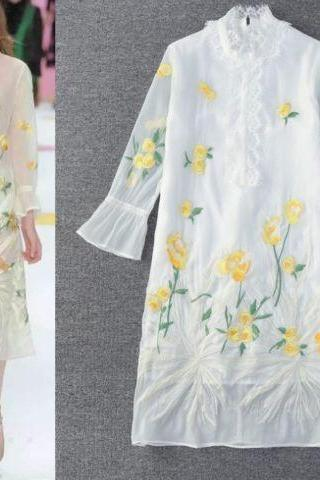 Sales Spring New Floral Pattern Heavy embroidery Perspective leisure dress S M L